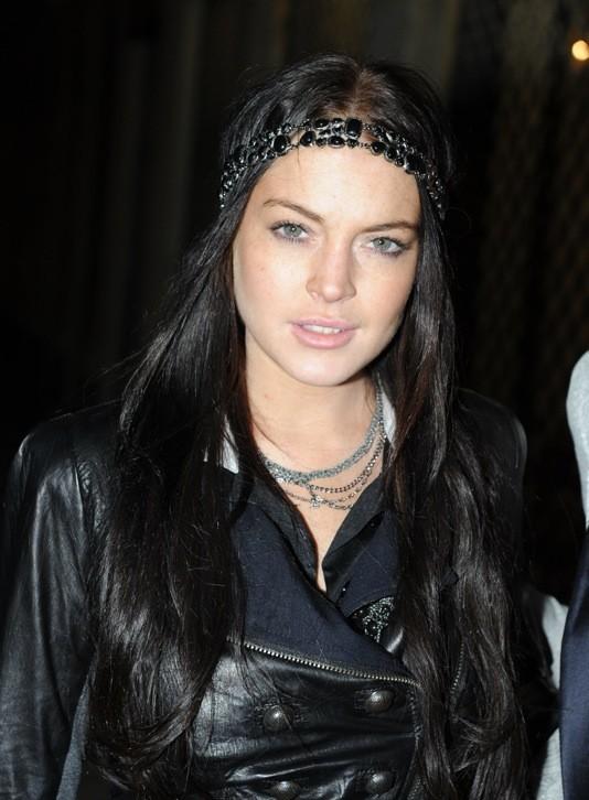 Lindsay Lohan et son headband en perles