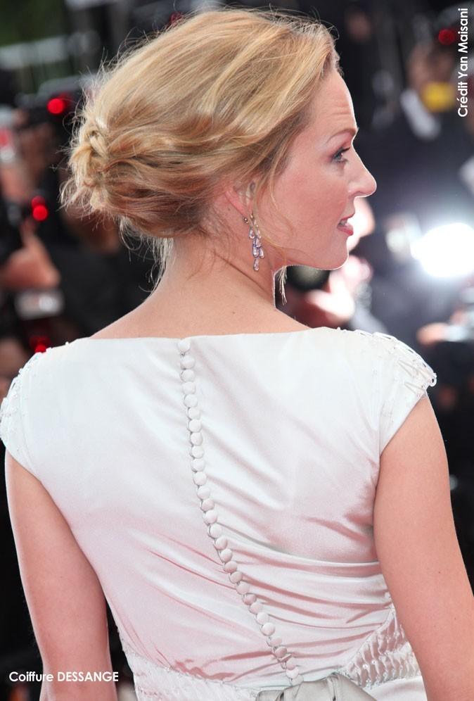 Coiffure de star au Festival de Cannes 2011 : le chignon bohème d'Uma Thurman
