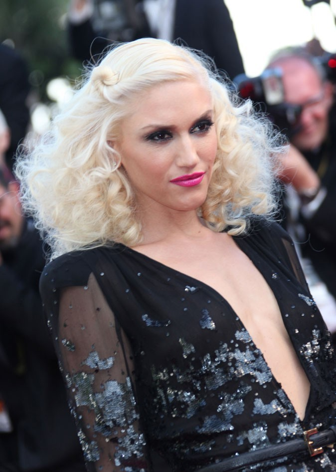 Coiffure de star au Festival de Cannes 2011 : les boucles rétro de Gwen Stefani