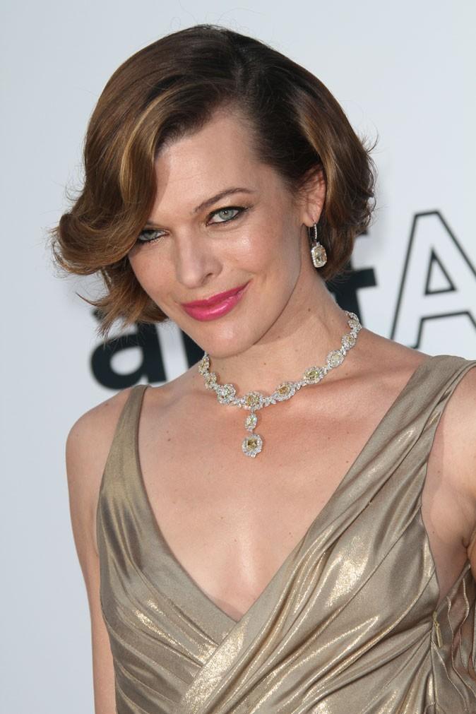 Maquillage de star au Festival de Cannes 2011 : le rouge à lèvres rose de Milla Jovovich