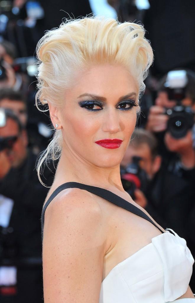 Maquillage de star au Festival de Cannes 2011 : le smoky eye charbonneux + lèvres rouges de Gwen Stefani