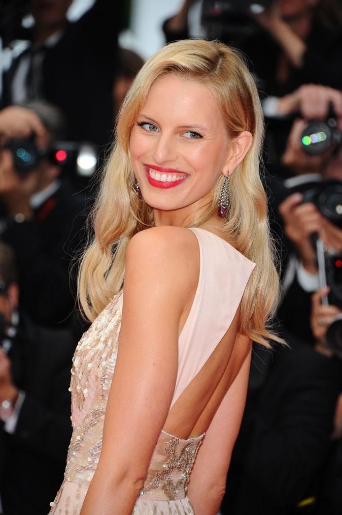 Maquillage de star au Festival de Cannes 2011 : les lèvres rouge framboise de Karolina Kurkova