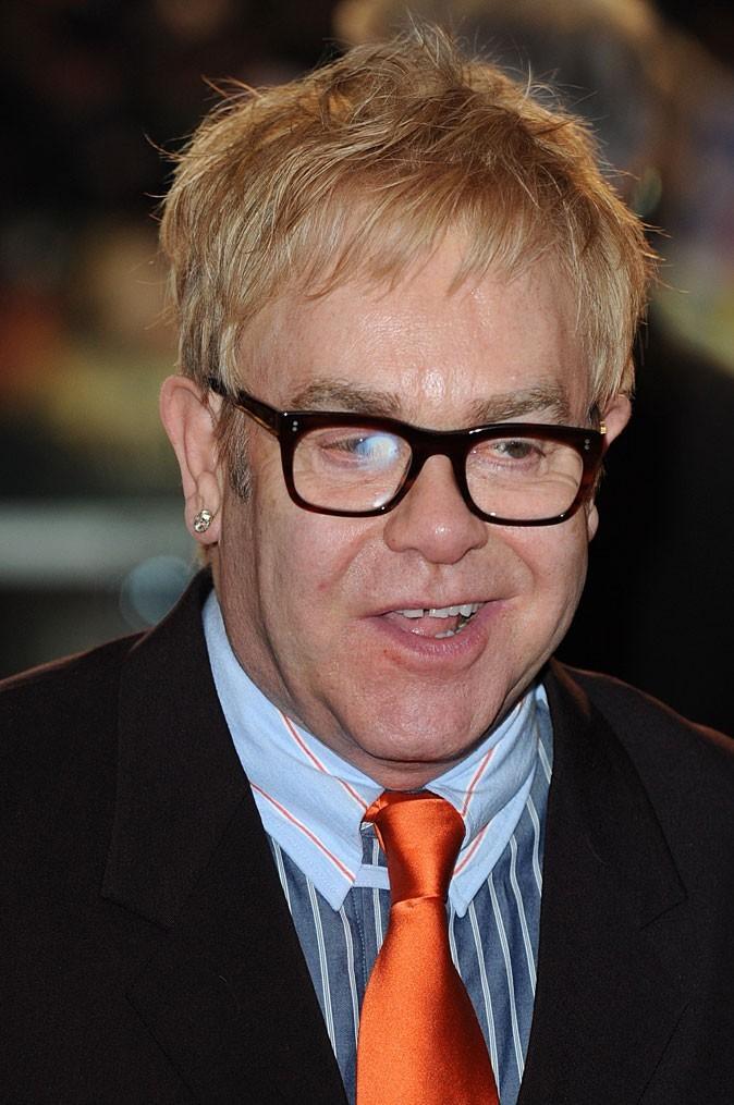 Catégorie cou de dindon: Elton John
