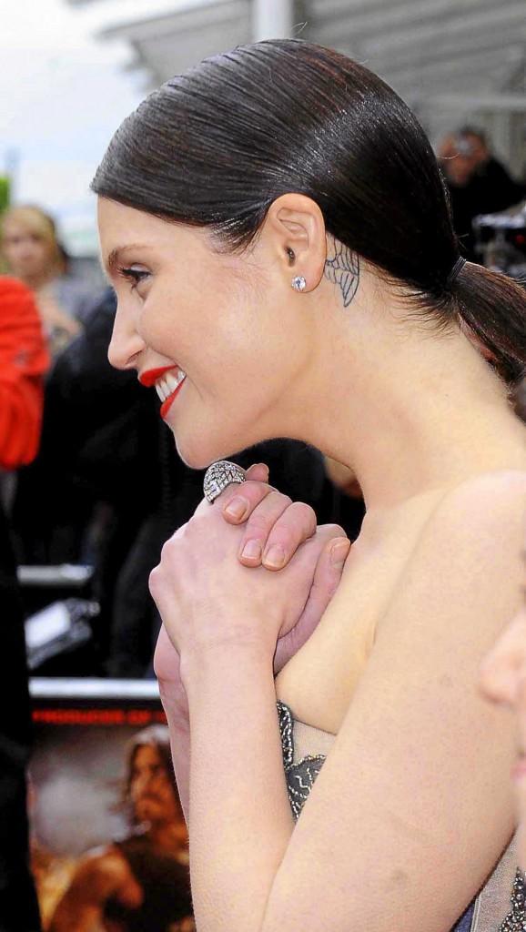 Gemma Arterton et son tatouage à l'oreille !