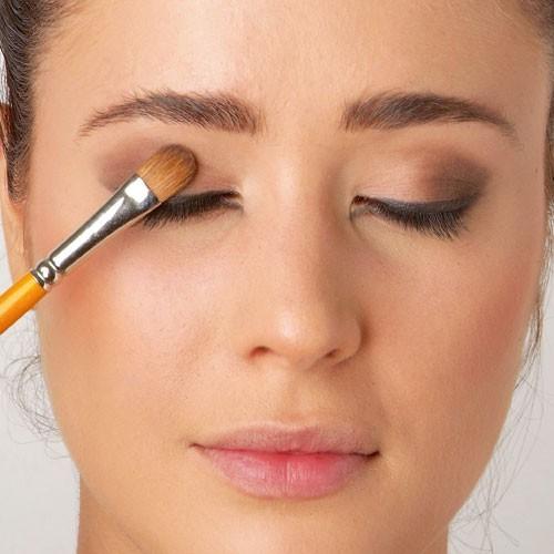 Mode d'emploi du smoky eye : le fard à paupières brun