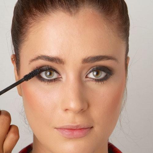 Mode d'emploi du smoky eye : le mascara