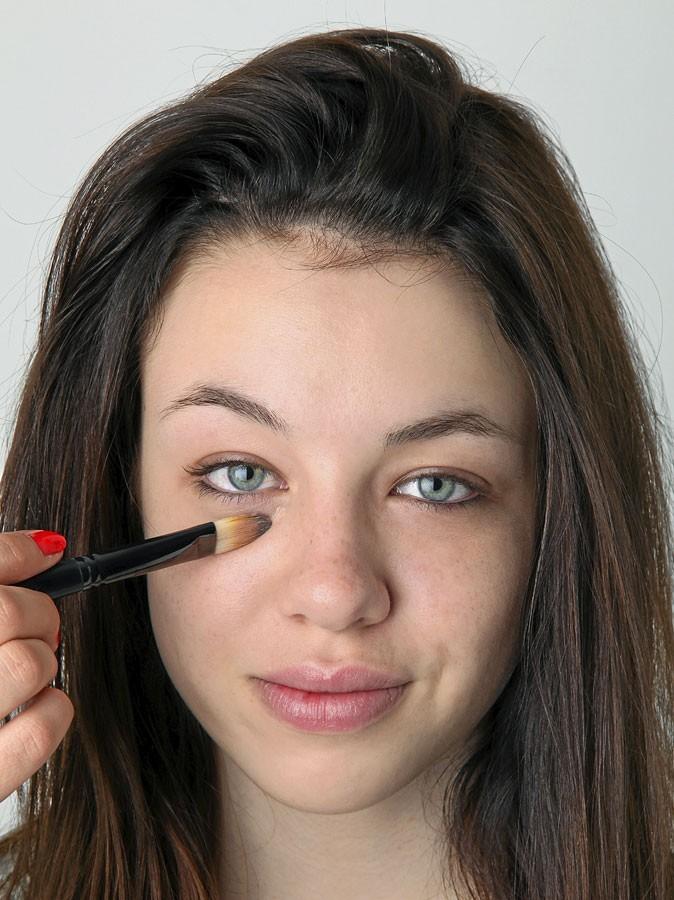 Maquillage d'AnnaLynne McCord : mode d'emploi de l'anticernes