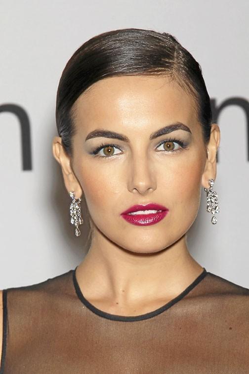 Mode d'emploi du make-up 80's de Camilla Belle !