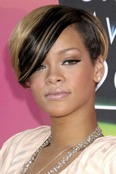 Photo : les cils volume de Rihanna