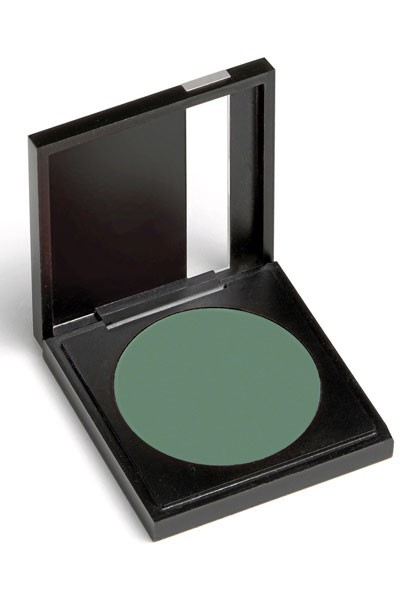 Mode d'emploi du smoky eye vert : un fard à paupières vert Shu Uemura