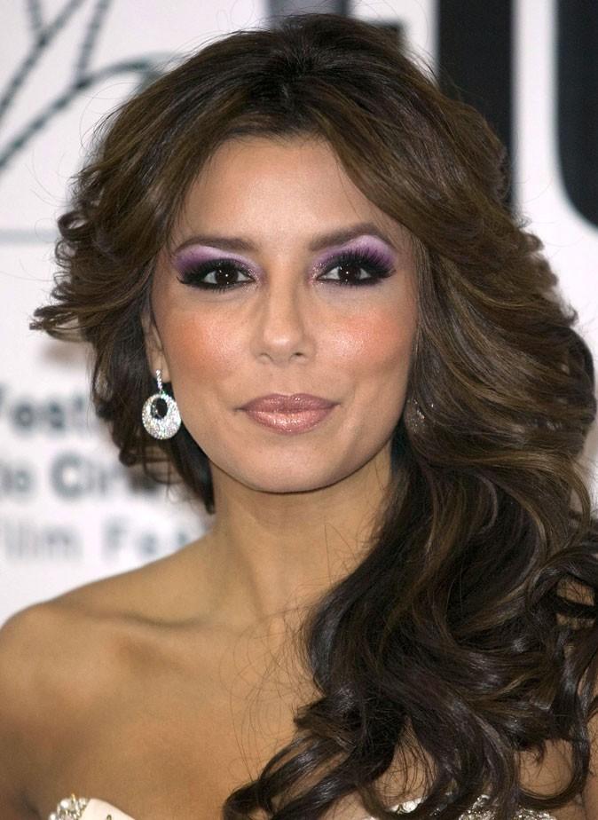 Maquillage d'Eva Longoria : un smoky eye violet
