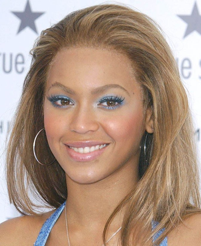 Maquillage de Beyoncé : un smoky eye bleu ciel