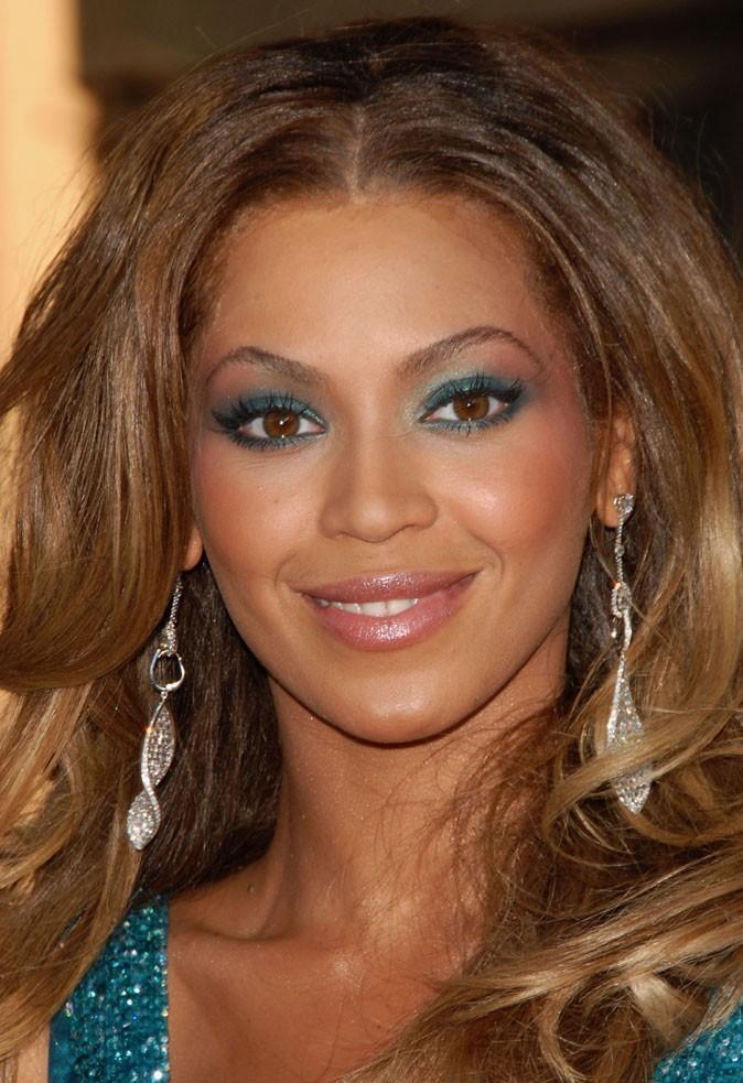 Maquillage de Beyoncé : un smoky eye vert