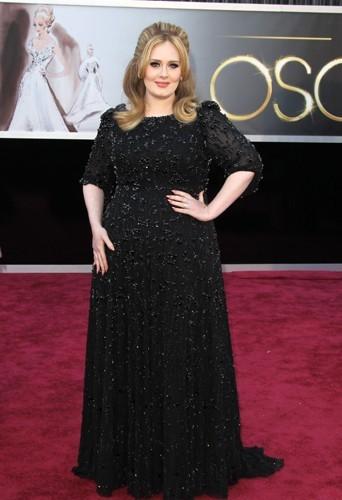Adele : 89 kg pour 1,75 m !