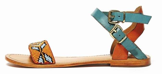 Sandales en cuir perlé, Galeries Lafayette 49 €