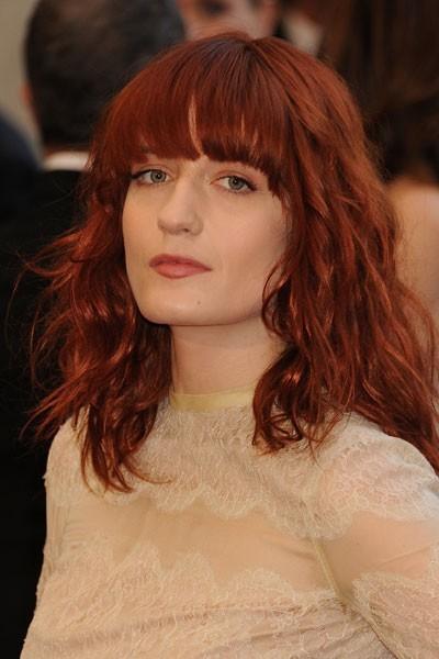 Oscars 2011 : la coiffure frange de Florence Welch