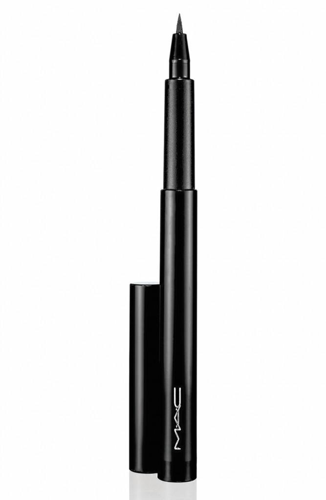 Glam Bling à Saint-Tropez : Eye-liner liquide Rapid Black, M.A.C Cosmetics 18,50 €