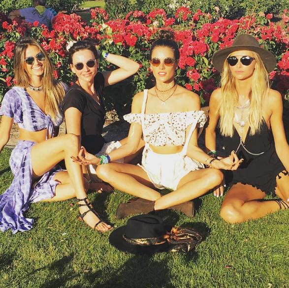 Alessandra Ambrosio et ses copines au festival de Coachella