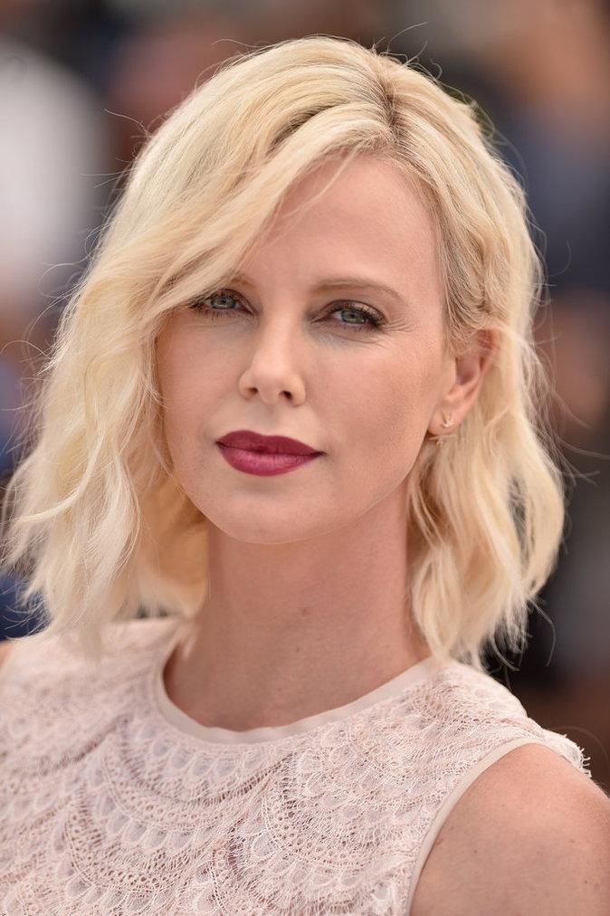 Le blond platine de Charlize Theron