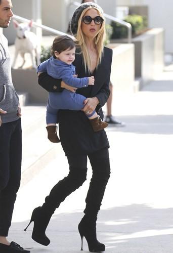Rachel Zoe 10 mois après la naissance de son fils Skyler Morisson berman a retrouvé sa taille de guêpe.