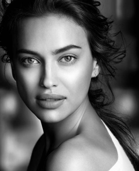 Photos : Irina Shayk : elle pose sans maquillage sur Instagram et peut se le permettre!