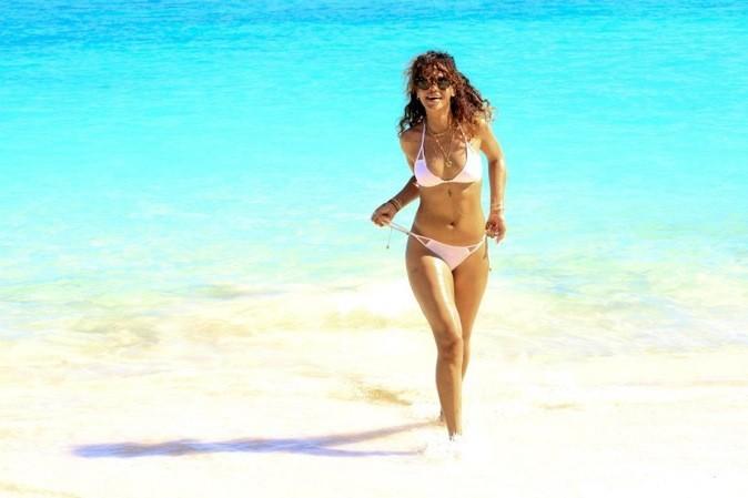 Rihanna à la plage !