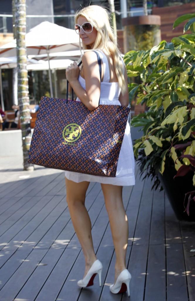 Quels produits de beauté pour partir des vacances à Biarritz comme Paris Hilton ?