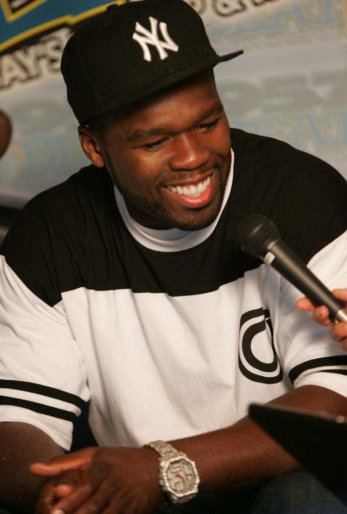 Spécial seins de stars : 50 Cent le confesse, il aime les gros !