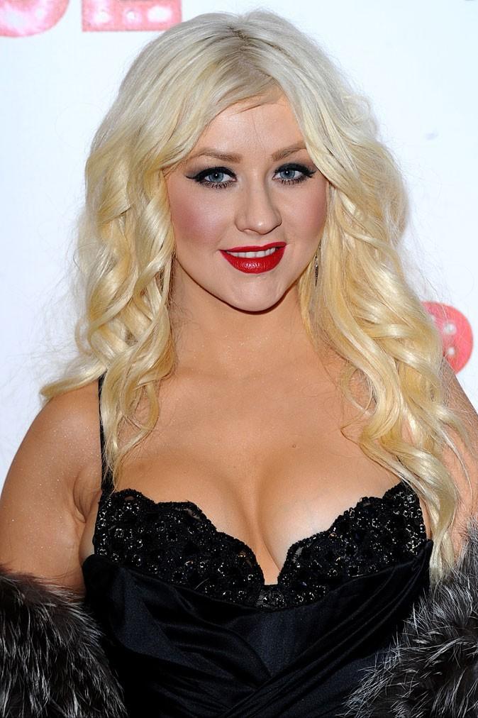 Spécial seins : le décolleté over pulpeux de Christina Aguilera