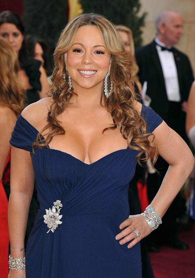 Spécial seins : le décolleté over pulpeux de Mariah Carey