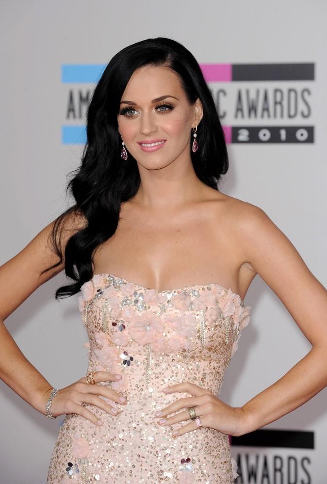 Spécial seins : le décolleté pulpeux de Katy Perry