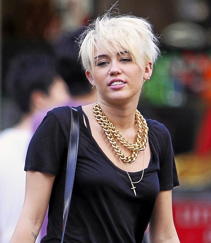 Miley Cyrus en mode punk !