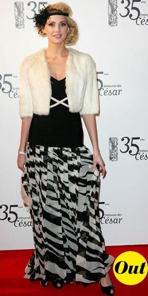 César 2010 : la robe noire et blanche de Frédérique Bel