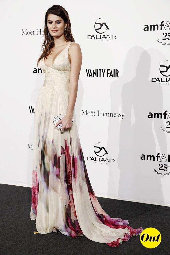 Fashion Week de Milan : Isabeli Fontana au gala de l'amFAR !