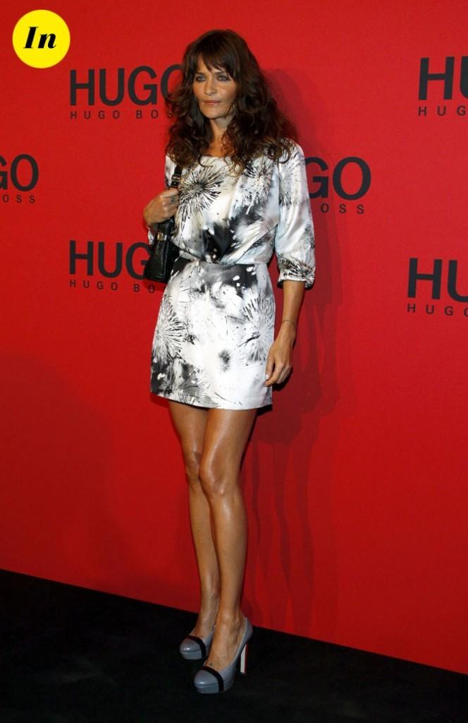 Helena Christensen pendant la Fashion Week de Berlin