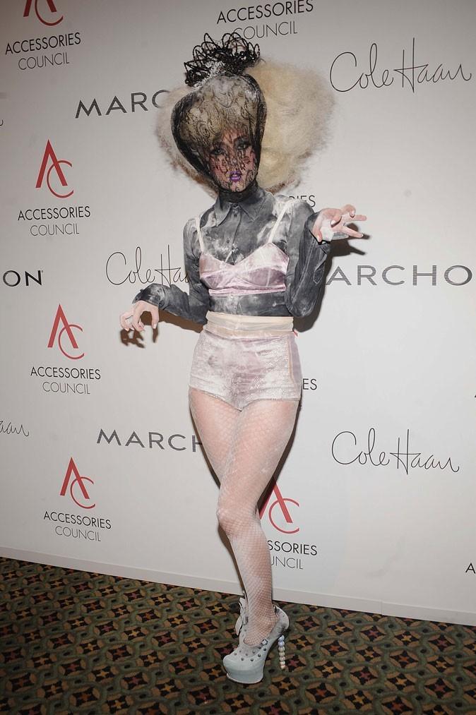Look de Lady Gaga : ses sous-vêtements enfarinés en novembre 2009 pour les ACE Awards