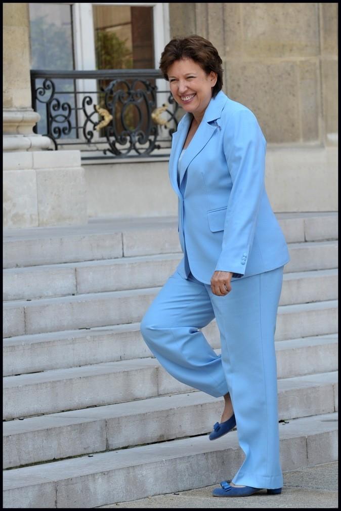 Roselyne Bachelot en costume bleu