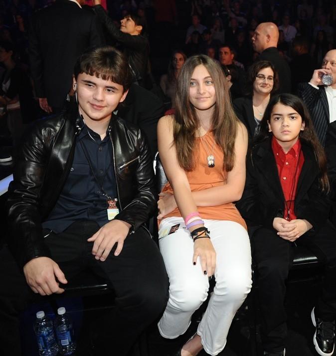 2011: Avec ses frères sur le plateau X Factor !
