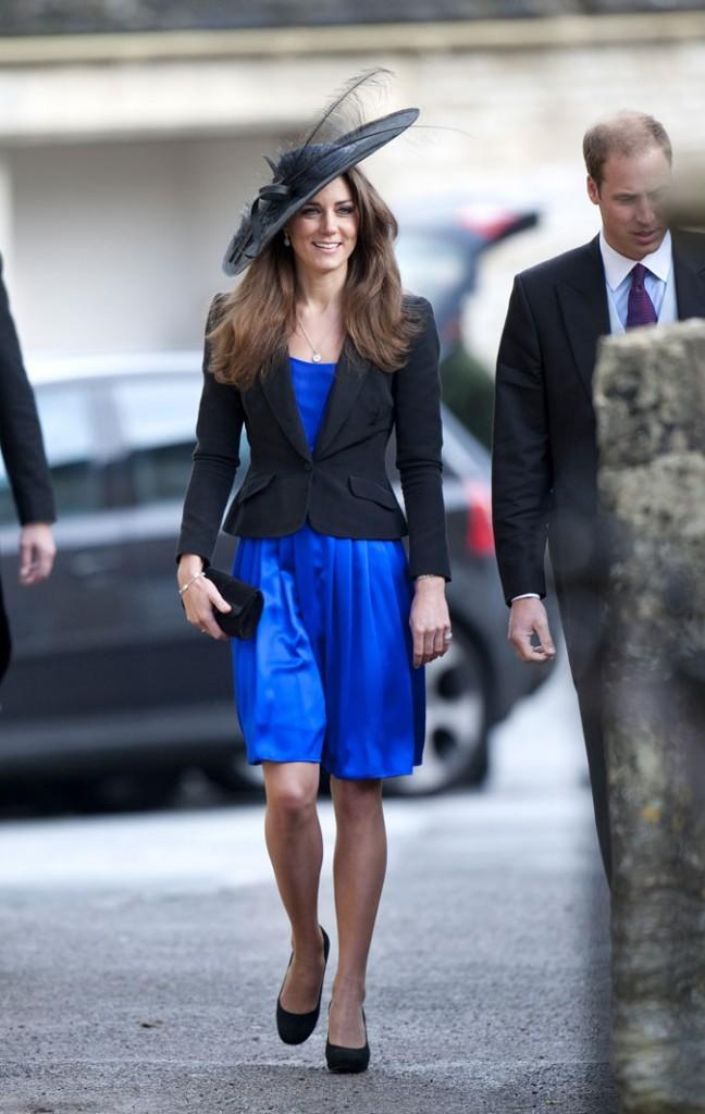 Look de star : le chapeau noir à plume de Kate Middleton en octobre 2010