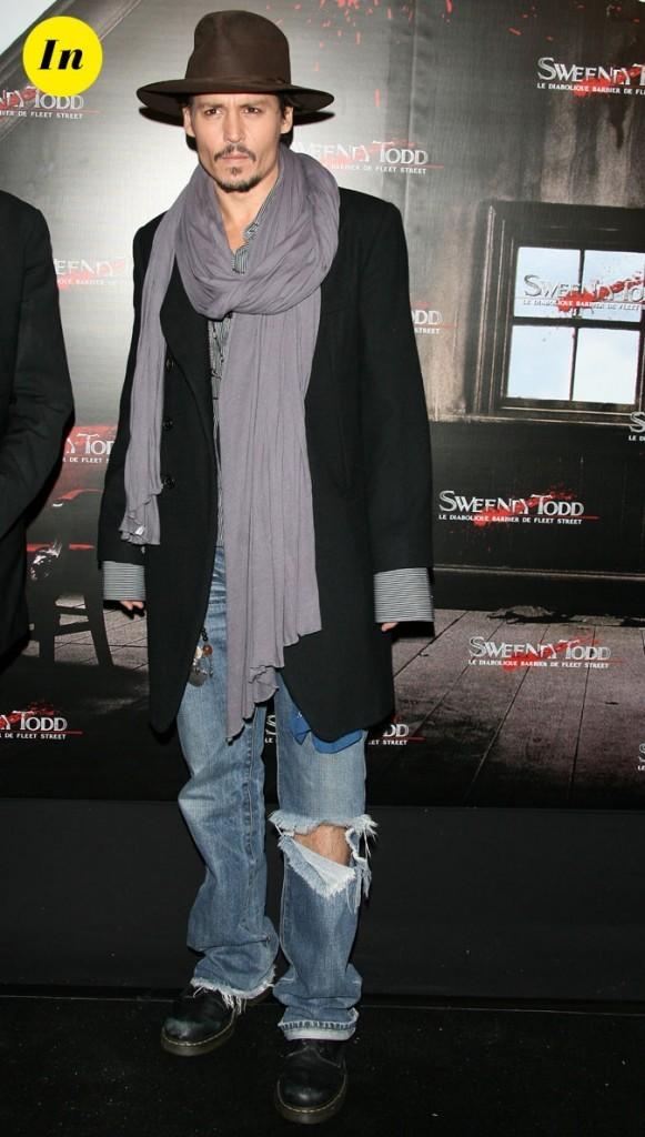 Look de Johnny Depp : jean déchiré, chech et chapeau rétro en 2008