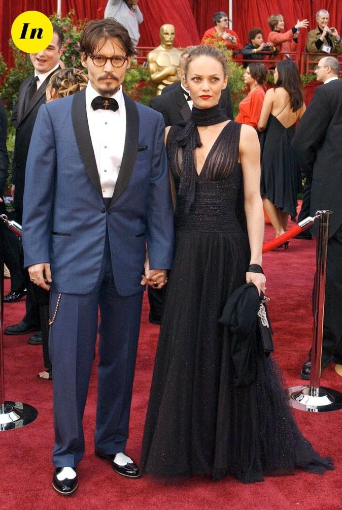 Look de Johnny Depp : smoking bleu et noeud pap en 2005