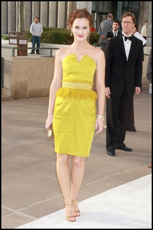 Photo : le look jaune de Leighton Meester en avril 2008