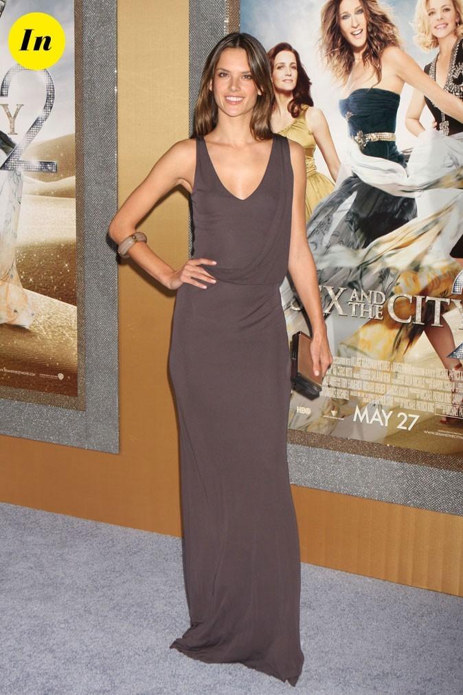 Look d'Alessandra Ambrosio : une robe longue marron