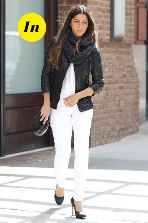 On ose difficilement porter le slim blanc, mais Camila Alves l'a fait et ça lui va à ravir !