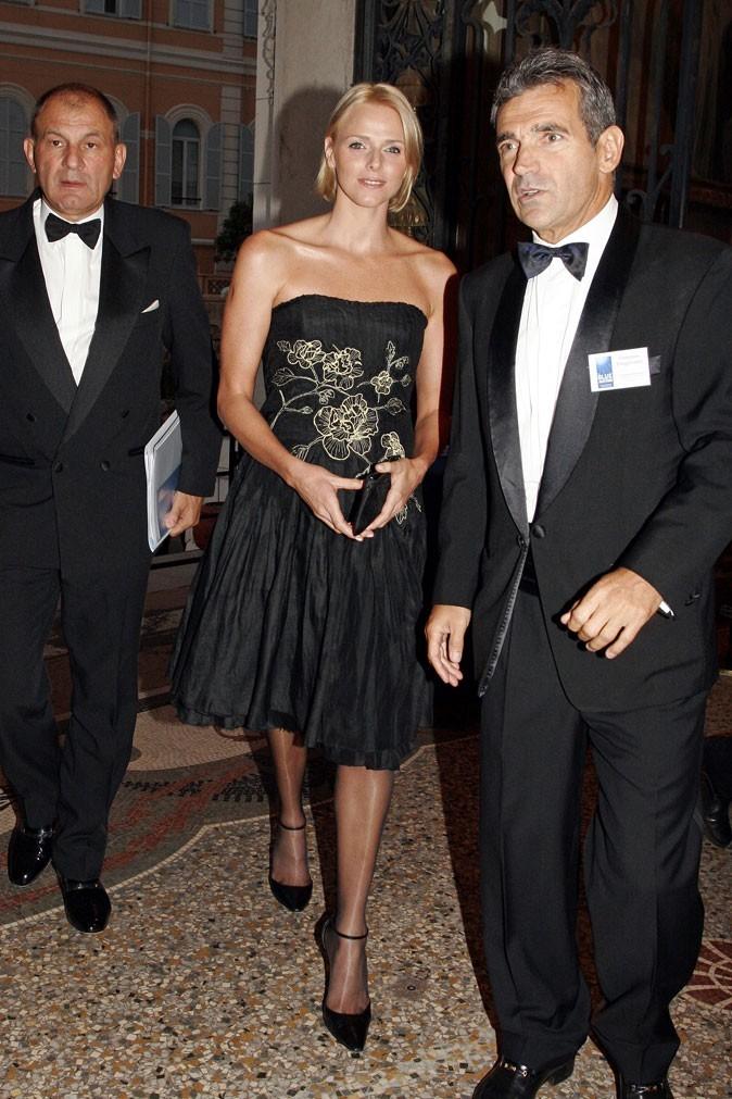 Charlene Wittstock :  une robe noire bustier en septembre 2007