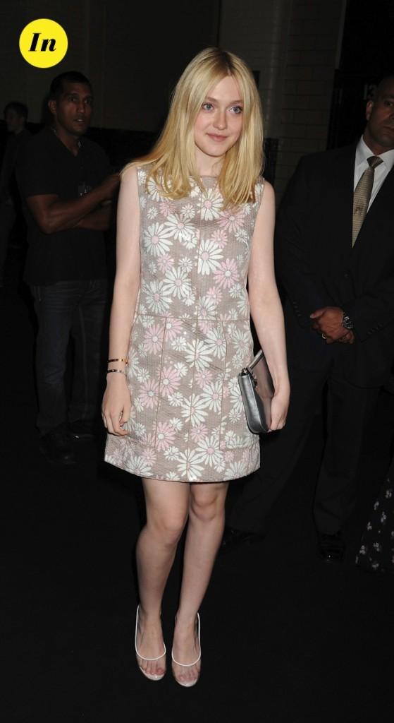 Septembre 2011 : elle arbore une robe fleurie !