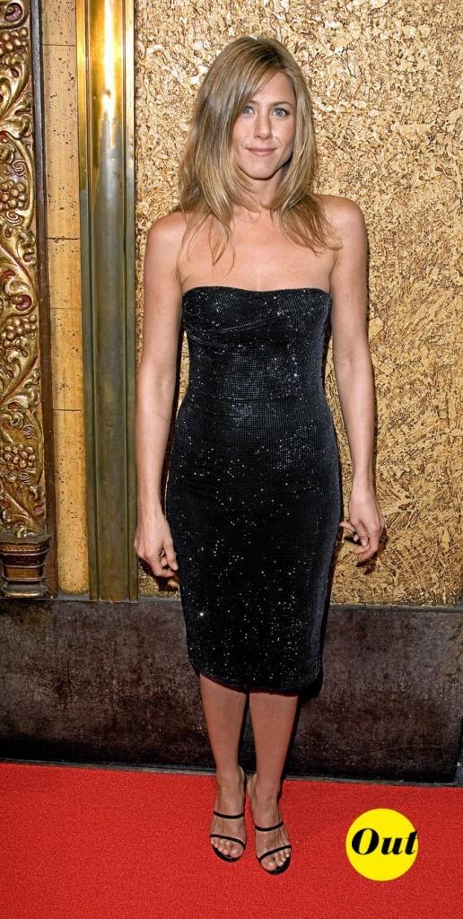 La robe bustier en velours de Jennifer Aniston en Juin 2006 !