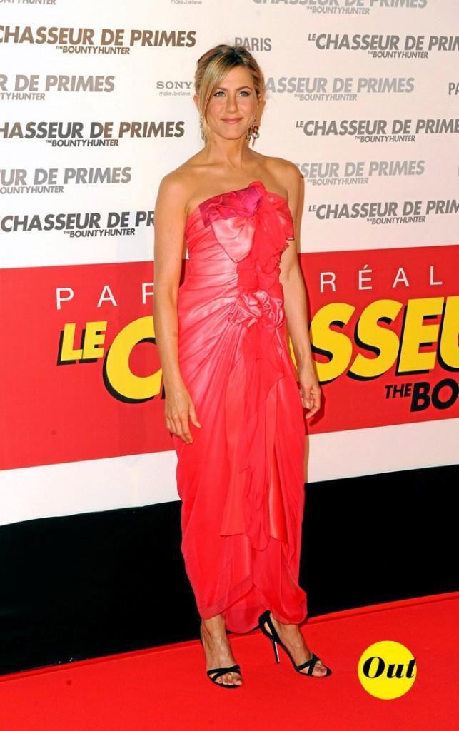 La robe fuchsia Christian Lacroix de Jennifer Aniston en Mars 2010 !