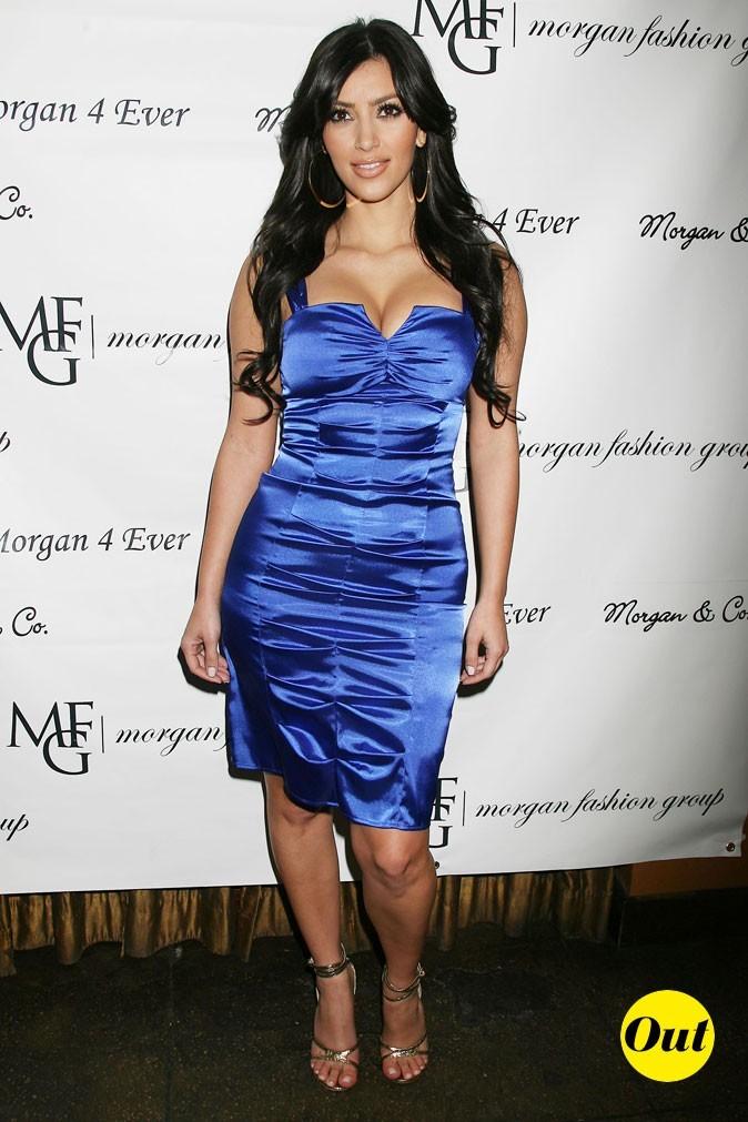 Look de Kim Kardashian : une robe bleue en satin en 2007