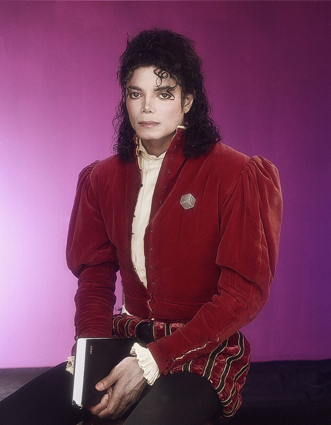 Look de Michael Jackson : veste à épaulettes en 1989
